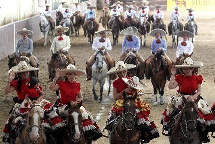 Con disciplina y valentía, charros mexicanos buscan preservar sus tradiciones