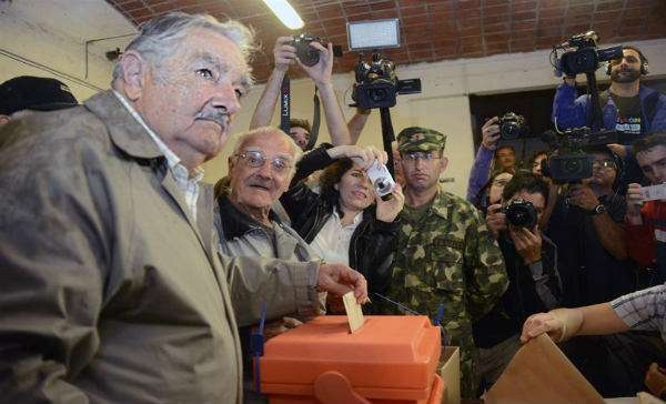 Inicia jornada electoral en Uruguay; eligen nuevo presidente