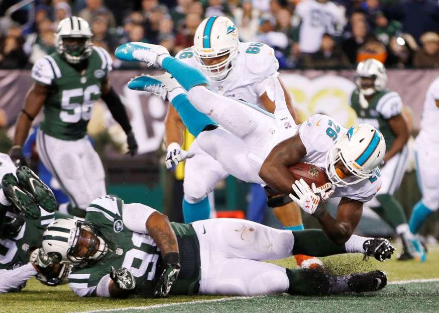 Dolphins remontan y superan a Jets