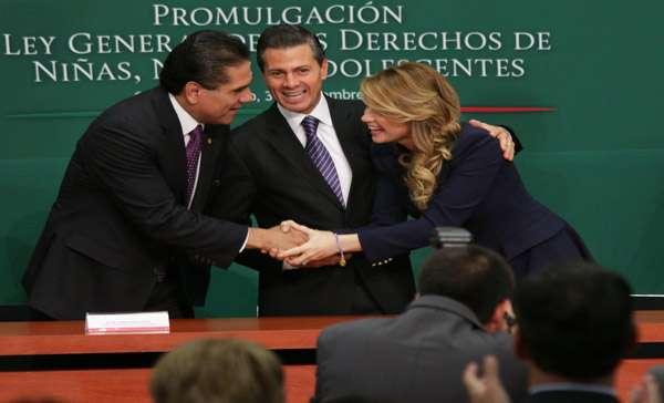 Promulga Peña Nieto ley en favor de la niñez