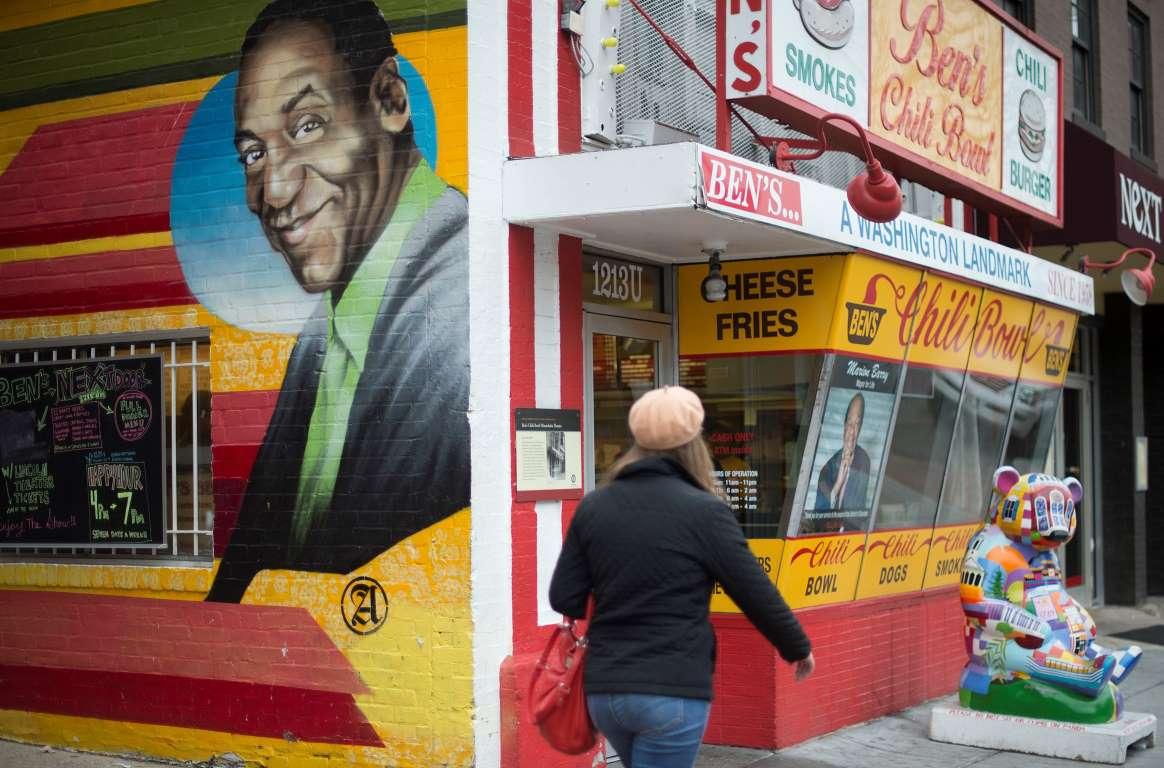 Bill Cosby acusa de extorsión a una de las mujeres que lo demandó por violación