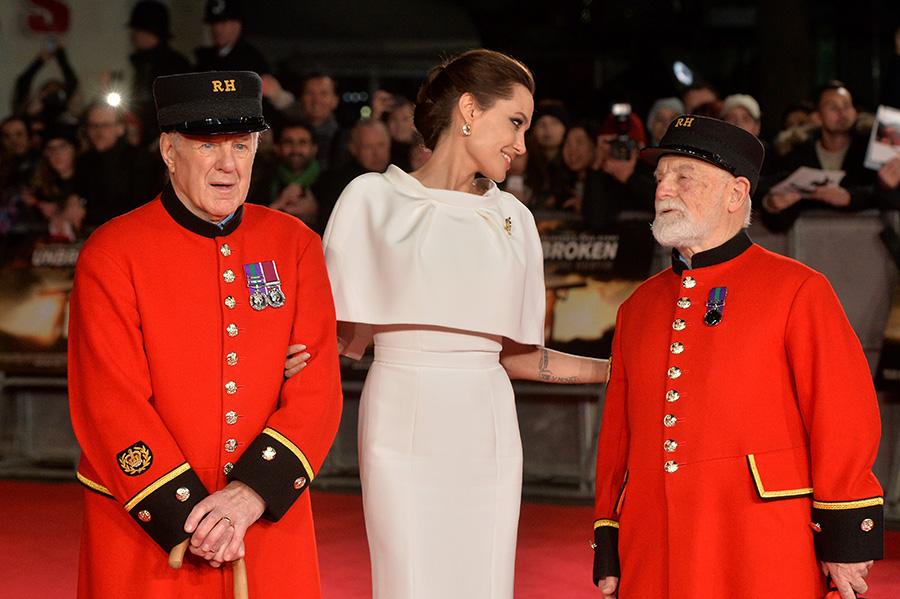 Angelina Jolie, encantadora y cercana en la premier londinense de 'Unbroken'