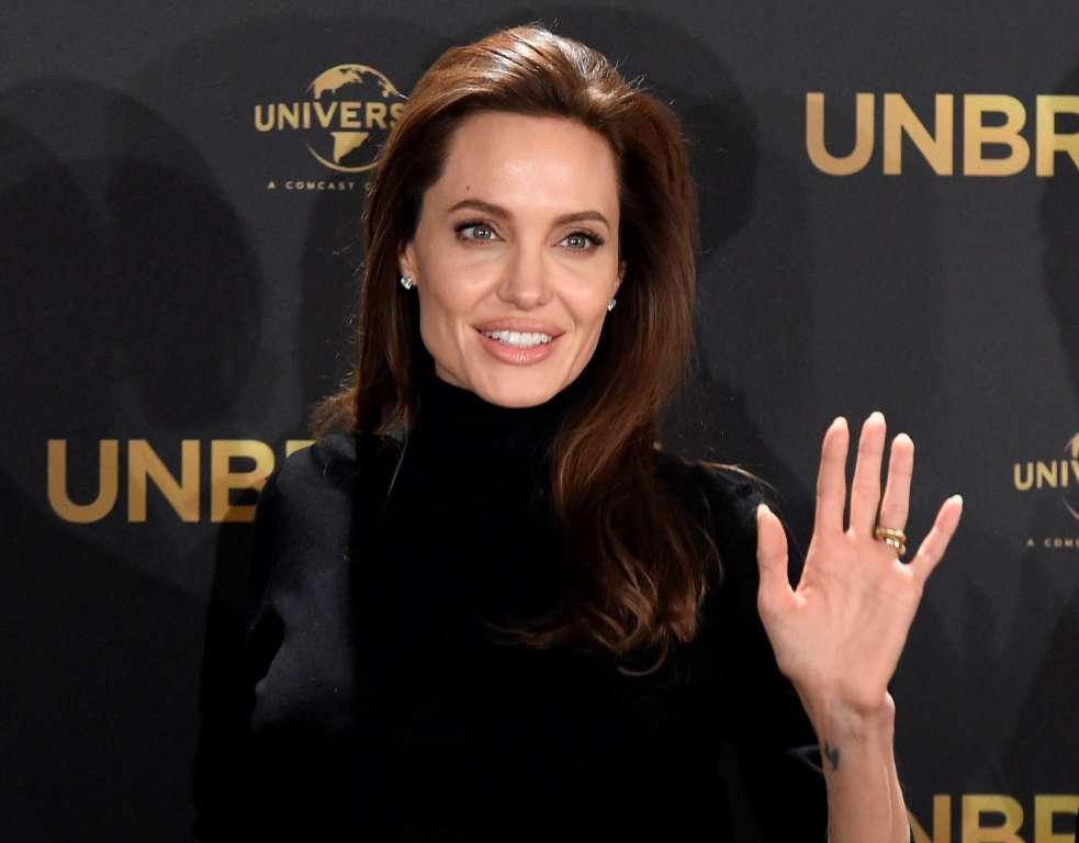 """Mis hijos ya me reclaman hacerse tatuajes"", revela Angelina Jolie"