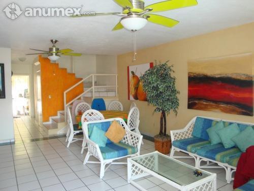 Renta Casa Manzanillo, Zona Exclusiva , Playa Olas Altas